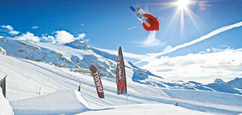 Italy_Cervinia_Ski_ski_area.jpg